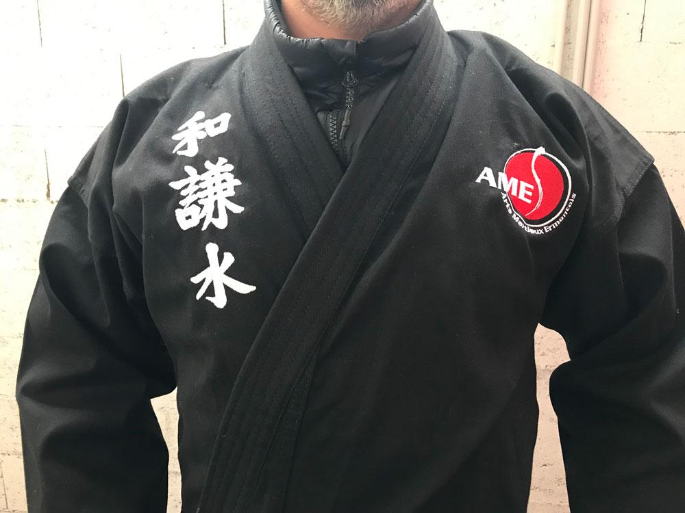 Broderie sur kimono